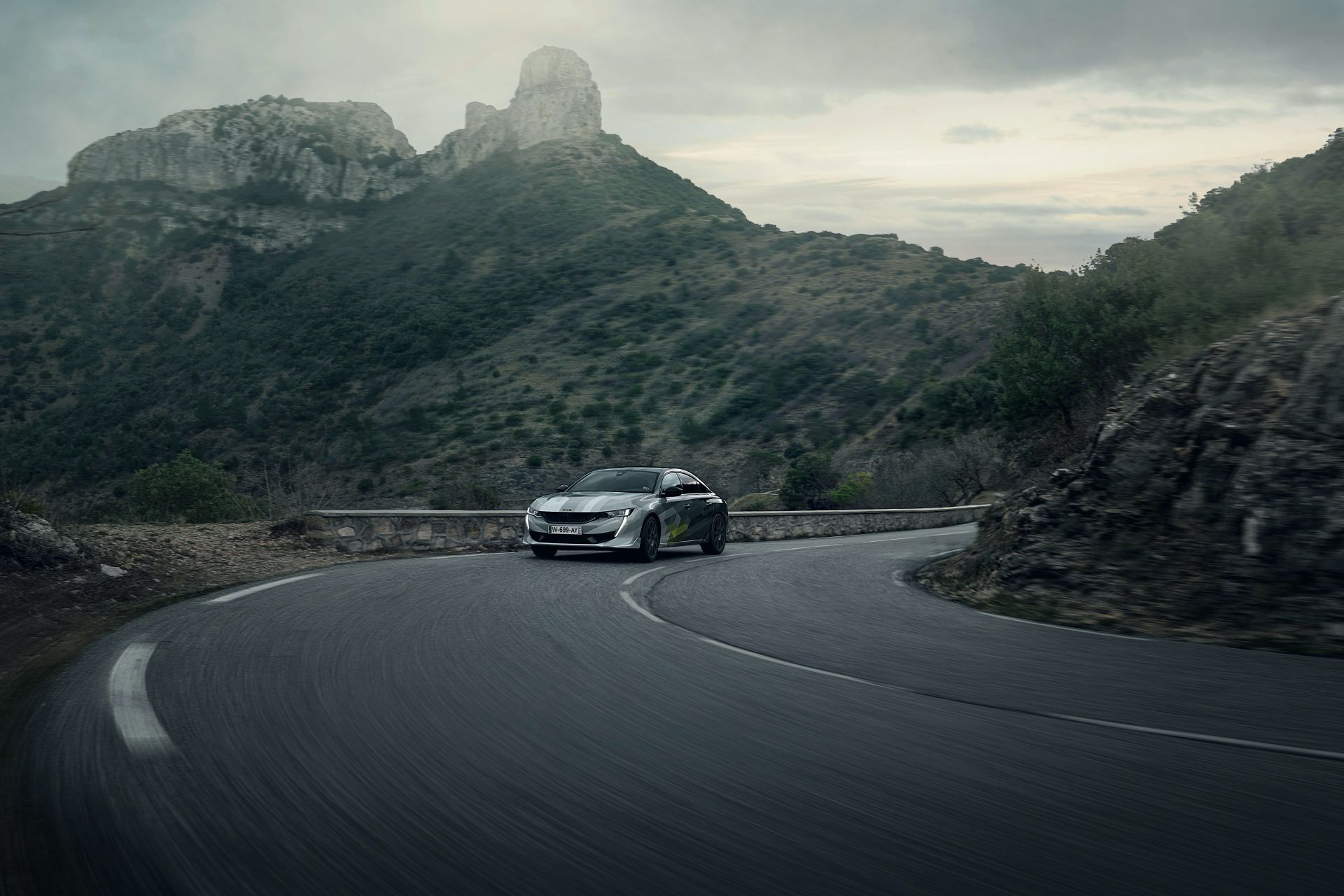 peugeot 508 sport engineered tung them anh lam fan them muon chi cho ngay mo ban tai viet nam